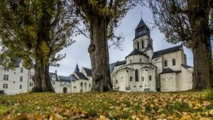Vue de l'Abbaye de Fontevraud en automne © David Darrault
